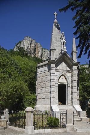 ossuary-for-commemoration-of-victims-of-turkish-repression-dryanovo-monastery-bulgaria