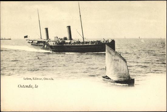 ostende-faehrschiff-laeuft-an-segelboot-077
