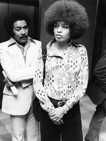 ozier-muhammad-angela-davis-1973