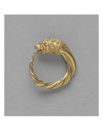 pair-of-earrings-ring-terminated-by-a-gold-lion-head