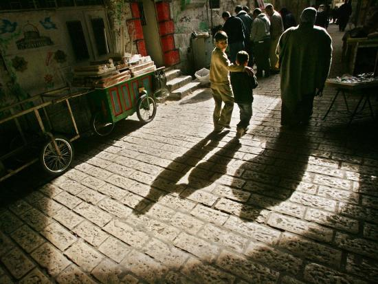 palestinians-make-their-way-to-the-al-aqsa-mosque-compound-for-traditional-muslim-friday-prayers