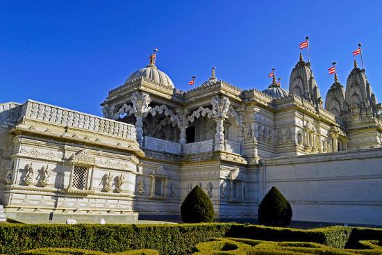 pamela-amedzro-england-london-borough-of-brent-neasden-neasden-temple