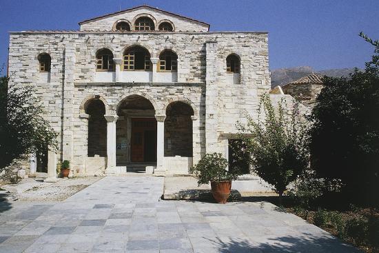 panagia-ekantontapiliani-or-katapoliani-our-lady-of-hundred-gates