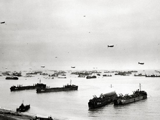 panorama-of-many-ships-which-supply-the-american-bridgehead