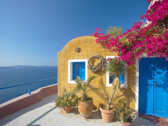 papadopoulos-sakis-colourful-house-in-santorini-cyclades-greek-islands-greece-europe