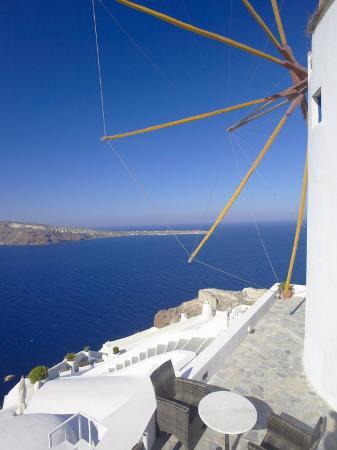 papadopoulos-sakis-oia-santorini-cyclades-greek-islands-greece-europe
