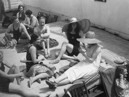 passengers-sunbathing-on-board-a-cruise-ship-c1920s-c1930s
