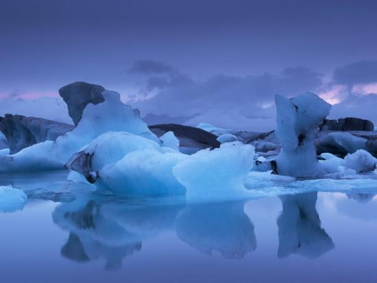 patrick-dieudonne-icebergs-in-jokulsarlon-glacial-lagoon-at-dusk-east-iceland-iceland-polar-regions