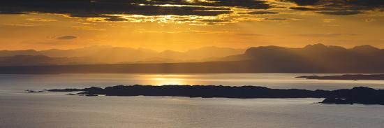 patrick-frischknecht-view-from-isle-of-skye-to-the-islands-raasay-and-rona-and-the-mainland-inner-hebrides-scotland