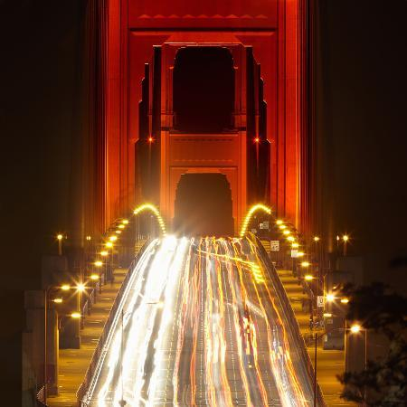 patrick-smith-nightime-traffic-on-the-golden-gate-bridge-san-francisco-california-usa