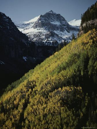 paul-chesley-snow-covered-palmyra-peak-overlooks-autumn-foliage
