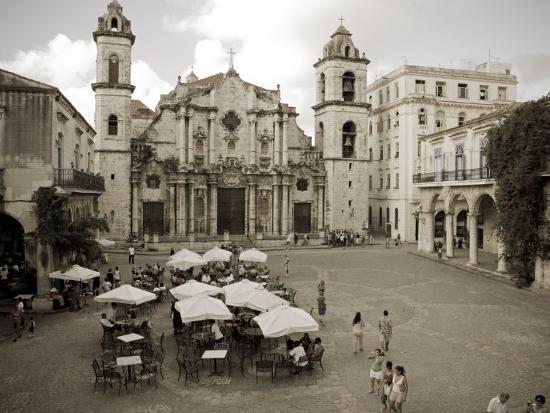 paul-harris-havana-cafe-in-plaza-de-la-catedral-havana-cuba