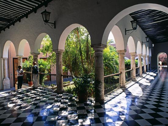 paul-harris-municipal-hacienda-merida-yucatan-state-mexico