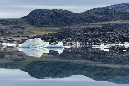 paul-souders-melting-icebergs-repulse-bay-nunavut-territory-canada