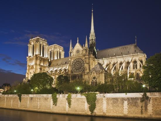 peet-simard-notre-dame-cathedral-at-twilight