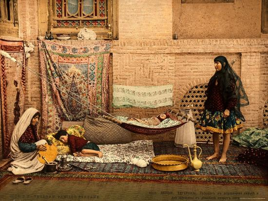 persian-family-in-a-house-of-teheran