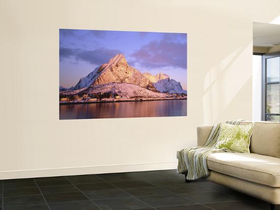 peter-adams-reine-lofoten-islands-norway