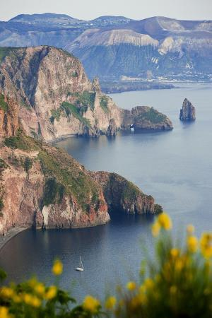 peter-adams-view-of-volcano-island-from-quattrocchi-lipari-island-sicily-italy