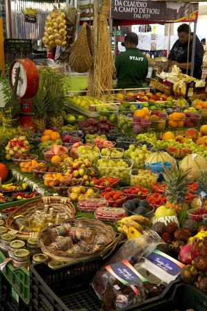 peter-barritt-fruit-and-vegetable-stall-at-campo-de-fiori-market-rome-lazio-italy-europe
