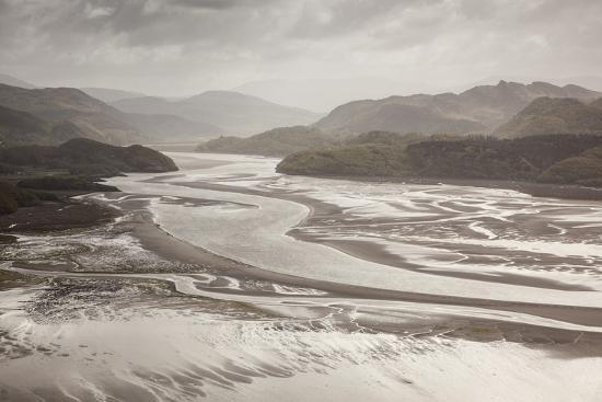 peter-cairns-mawddach-estuary-at-low-tide-barmouth-snowdonia-national-park-gwynedd-wales-may-2012