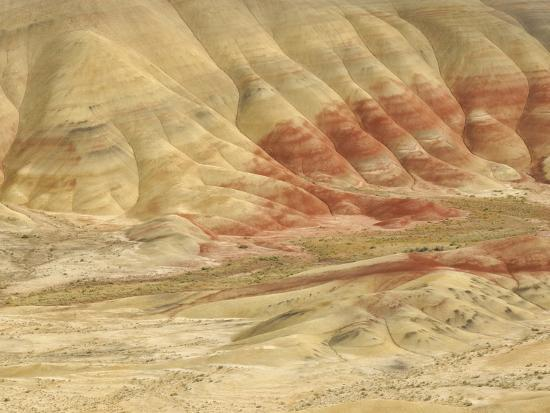 peter-carroll-the-painted-hills-at-the-john-day-fossil-beds-national-monument-oregon-usa