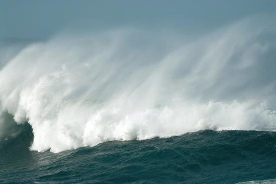 peter-chadwick-wind-spray-at-sea