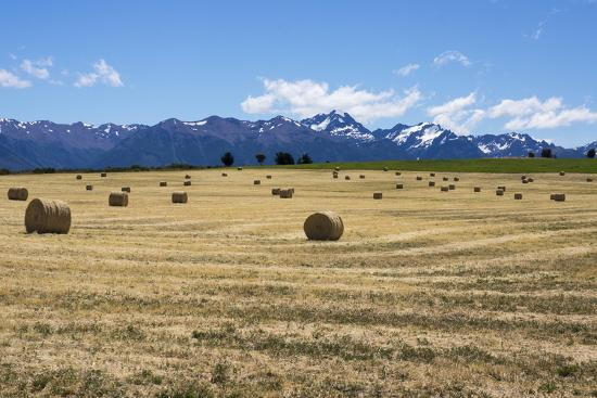 peter-groenendijk-hay-field-in-the-landscape-patagonia-argentina