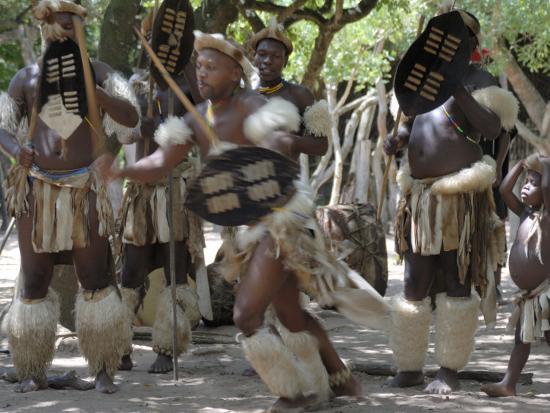 peter-groenendijk-zulu-tribal-dance-group-dumazula-cultural-village-south-africa-africa