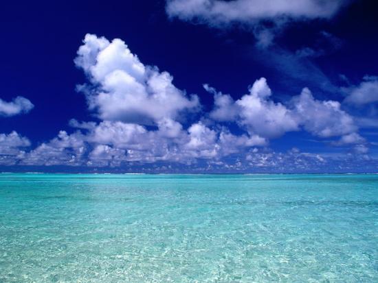 peter-hendrie-clouds-over-ocean-cook-islands