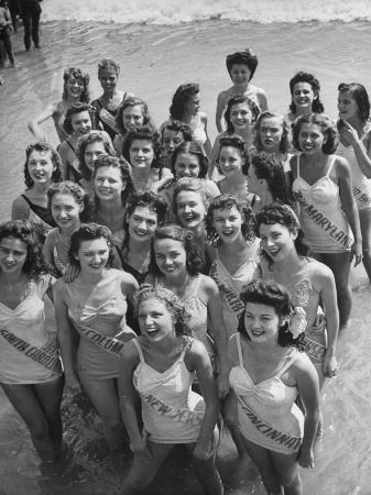 peter-stackpole-contestants-at-the-atlantic-city-beauty-contest