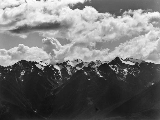 peter-stackpole-snowy-peaks-of-the-olympic-mountains