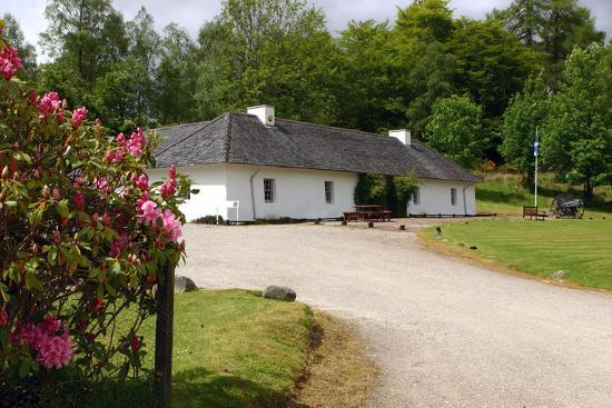 peter-thompson-clan-cameron-museum-achnacarry-near-spean-bridge-highland-scotland