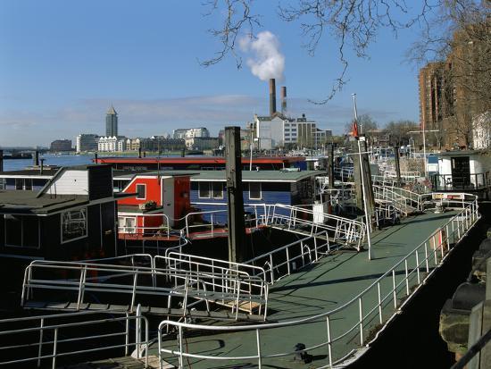 peter-thompson-houseboats-chelsea-embankment-london