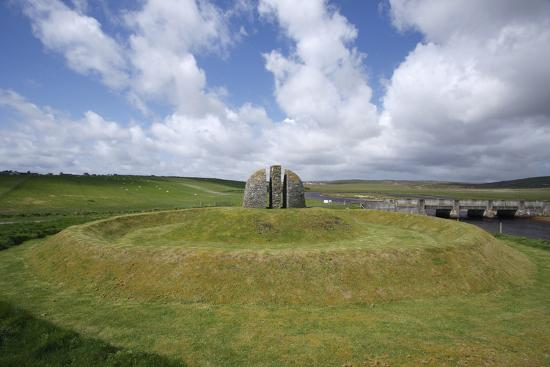 peter-thompson-memorial-cairn-to-the-grias-and-coll-raiders-isle-of-lewis-outer-hebrides-scotland-2009