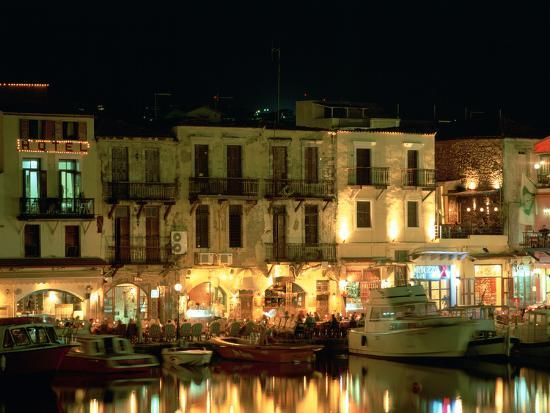peter-thompson-old-harbour-at-night-rethymnon-crete-greece