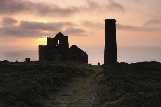 peter-thompson-sunset-wheal-coates-tin-mine-st-agnes-cornwall-2009