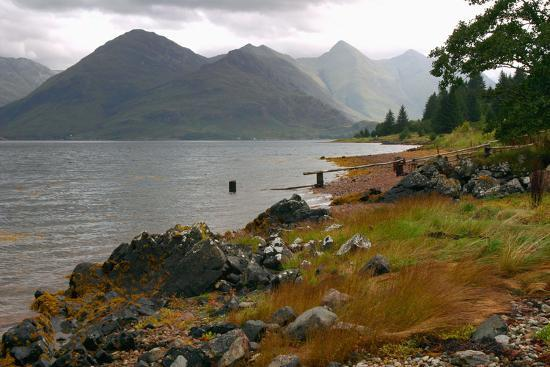 peter-thompson-the-five-sisters-of-kintail-from-across-loch-duich-highland-scotland