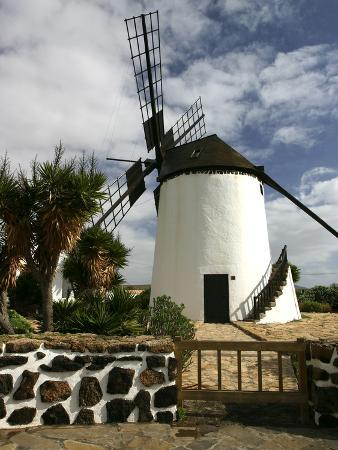 peter-thompson-windmill-antigua-fuerteventura-canary-islands