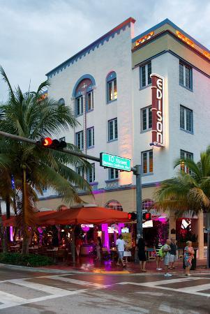 philippe-hugonnard-art-deco-architecture-of-ocean-drive-miami-beach-florida