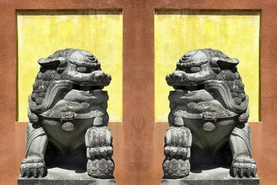 philippe-hugonnard-china-10mkm2-collection-asian-sculpture-with-two-lions