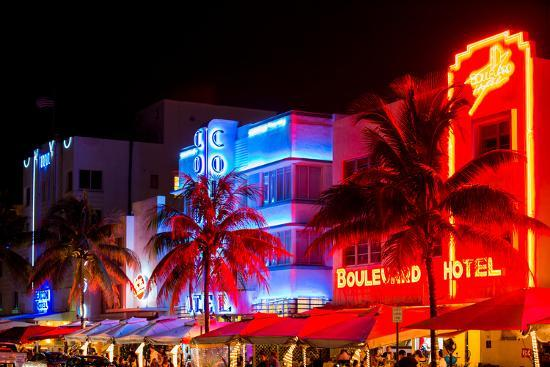 philippe-hugonnard-colorful-street-life-at-night-ocean-drive-miami