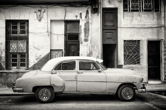 philippe-hugonnard-cuba-fuerte-collection-b-w-classic-american-car-in-havana-street-iii