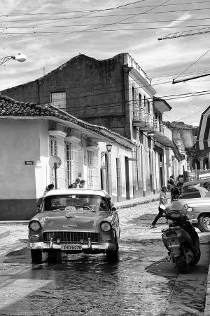 philippe-hugonnard-cuba-fuerte-collection-b-w-taxi-trinidad-ii