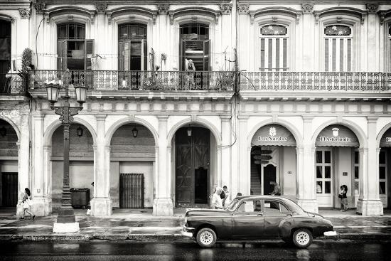 philippe-hugonnard-cuba-fuerte-collection-b-w-vintage-car-in-havana