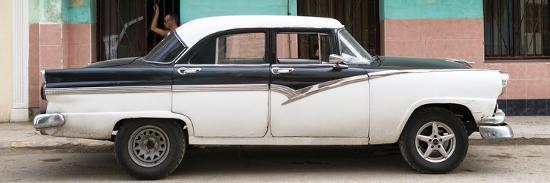 philippe-hugonnard-cuba-fuerte-collection-panoramic-american-classic-car-in-havana