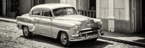 philippe-hugonnard-cuba-fuerte-collection-panoramic-bw-cuban-taxi
