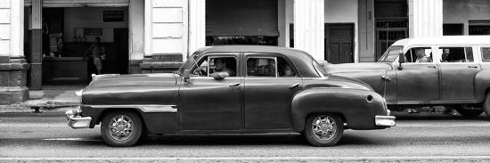 philippe-hugonnard-cuba-fuerte-collection-panoramic-bw-havana-red-car