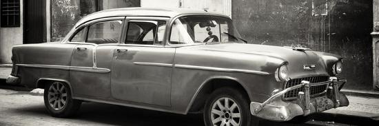 philippe-hugonnard-cuba-fuerte-collection-panoramic-bw-old-chevy