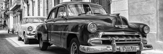 philippe-hugonnard-cuba-fuerte-collection-panoramic-bw-two-chevrolet-cars-ii