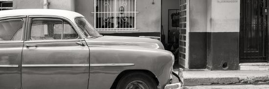 philippe-hugonnard-cuba-fuerte-collection-panoramic-bw-vintage-car-of-havana